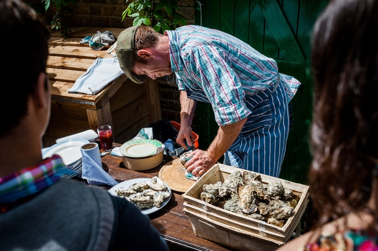 selling oysters in east london
